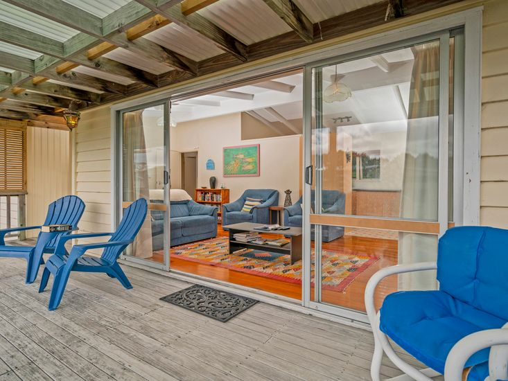 Deck to Lounge