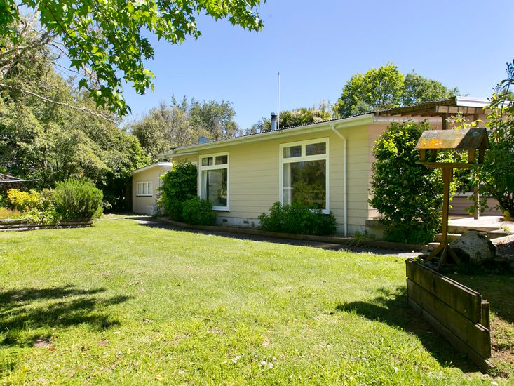 The Trout House - Turangi Holiday Home