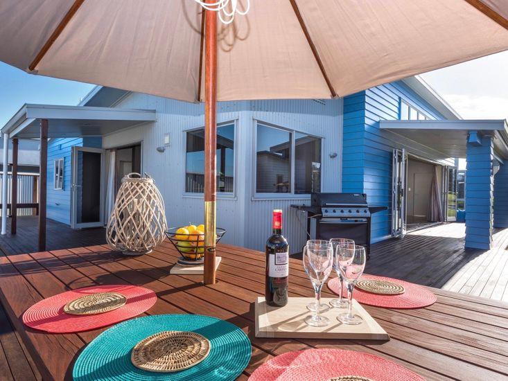 Vitamin Sea - Waihi Beach Holiday Home