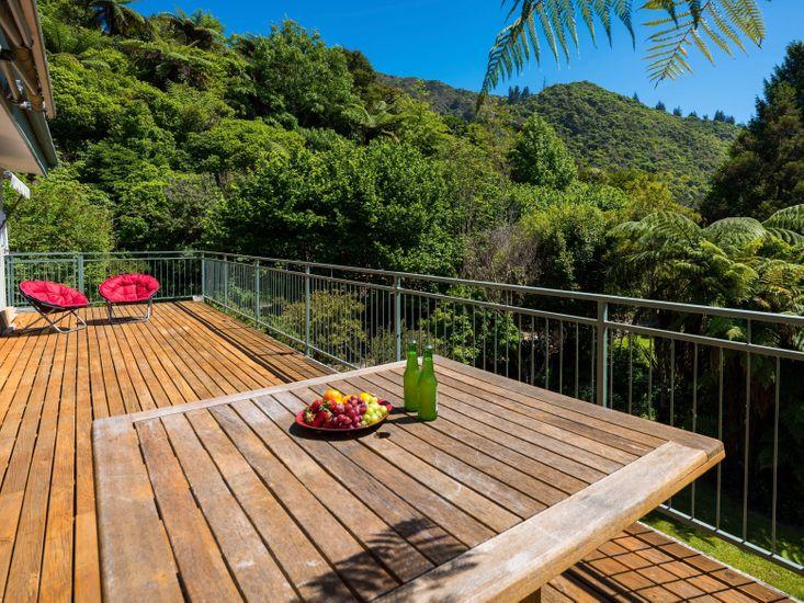 Serene Sounds - Anakiwa Holiday Home