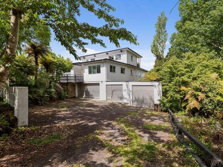 Western Panorama - Rotorua Holiday Home