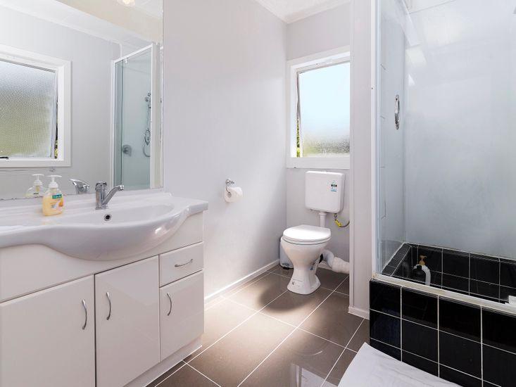 Bathroom 3 - Level 3