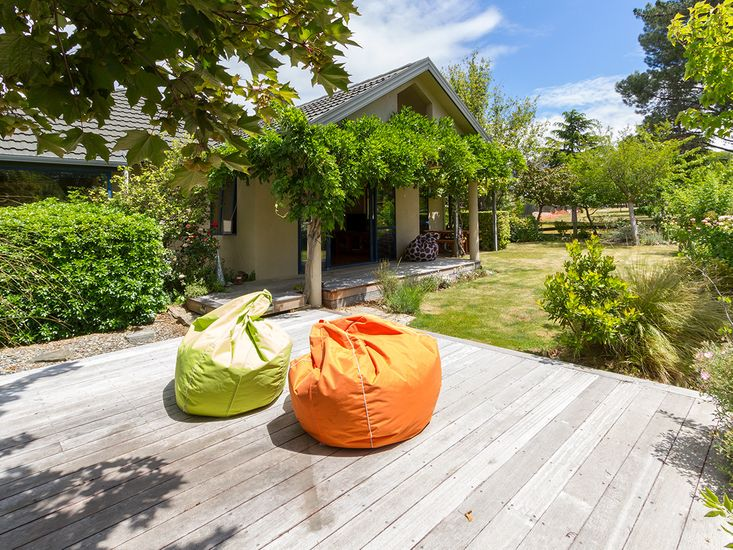 Aurum Retreat - Cromwell Holiday Home - Outdoor Living