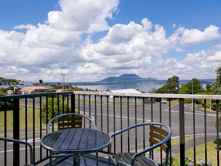 Acacia View at No.3 - Acacia Bay Holiday Home - View from Sun