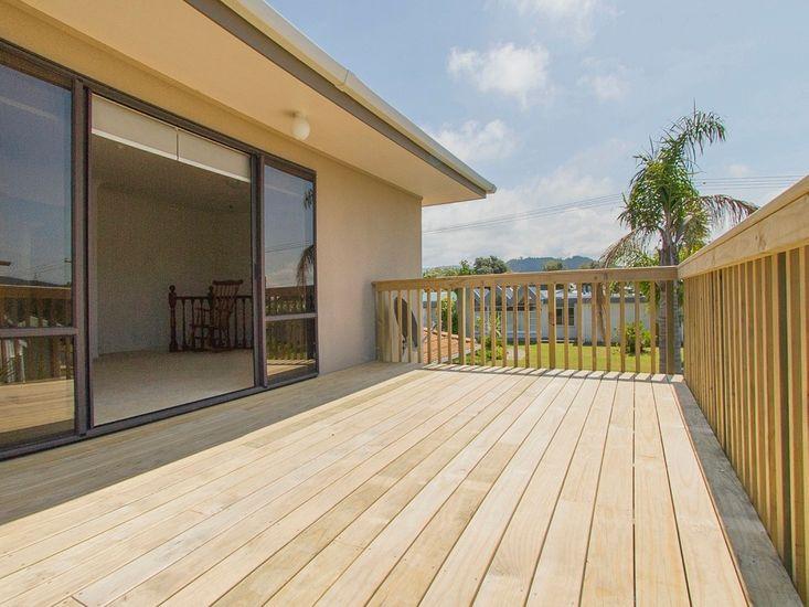 Indoor / Outdoor Flow - Upstairs Deck