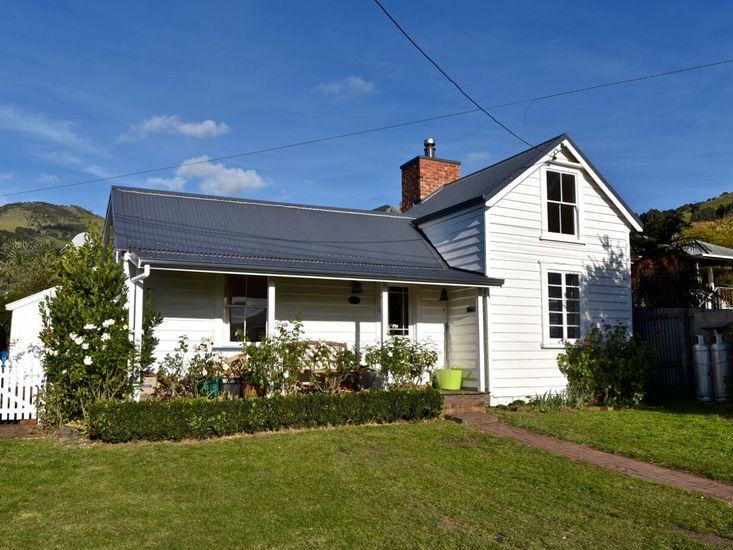 Akaroa Charm - Akaroa Holiday Home