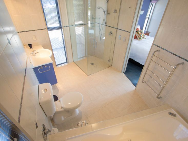 Bathroom 3 (Ensuite) **The spa bath is unavailable for guest use.**