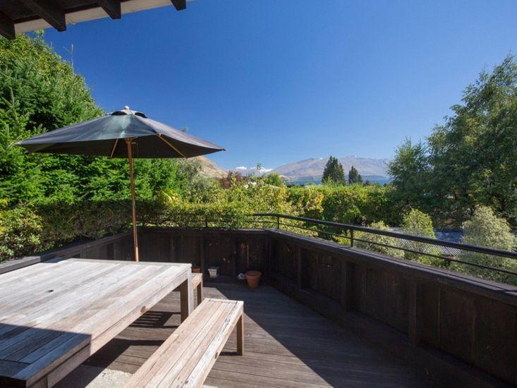 Hunters Lodge - Wanaka Holiday Home - Outdoor Living