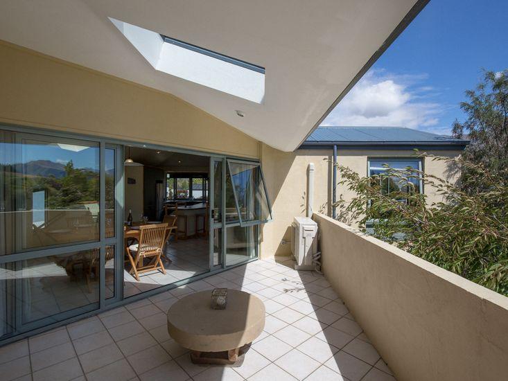 Central Sanctuary - Wanaka Holiday Home