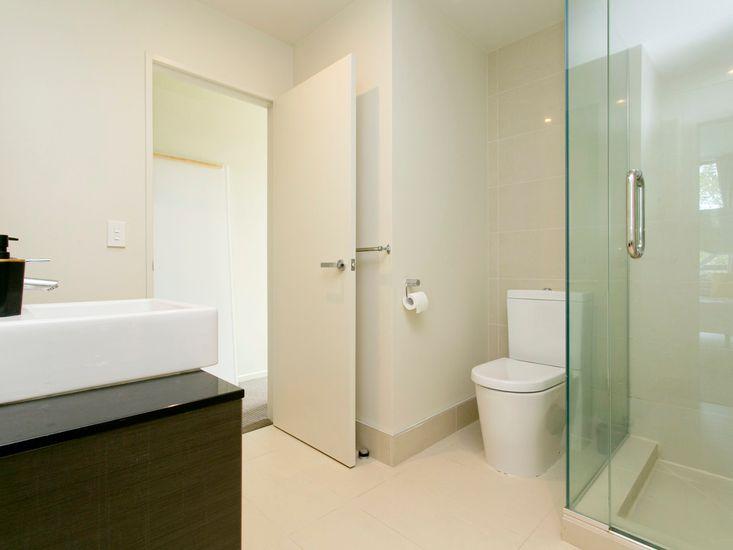 Bathroom - Level 2