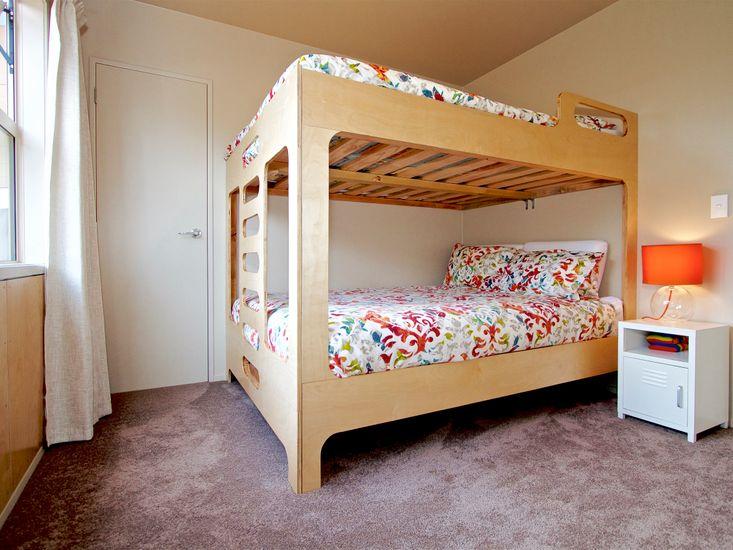 Bedroom 1 - Queen Bunk Set