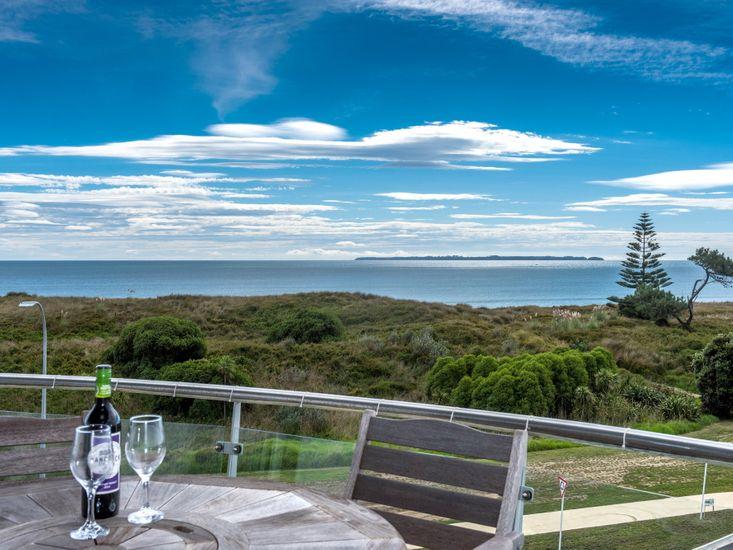 Papamoa Holiday Apartment - Ocean Views