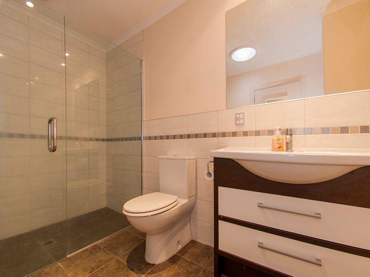 Bedroom 2 - Bathroom
