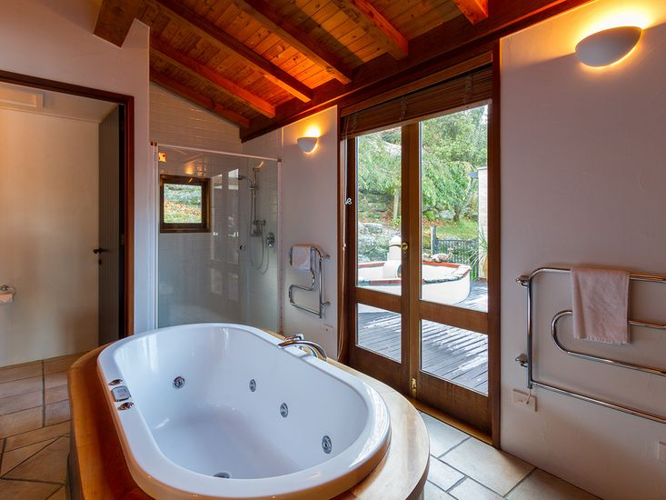 spa pool accommodation queenstown