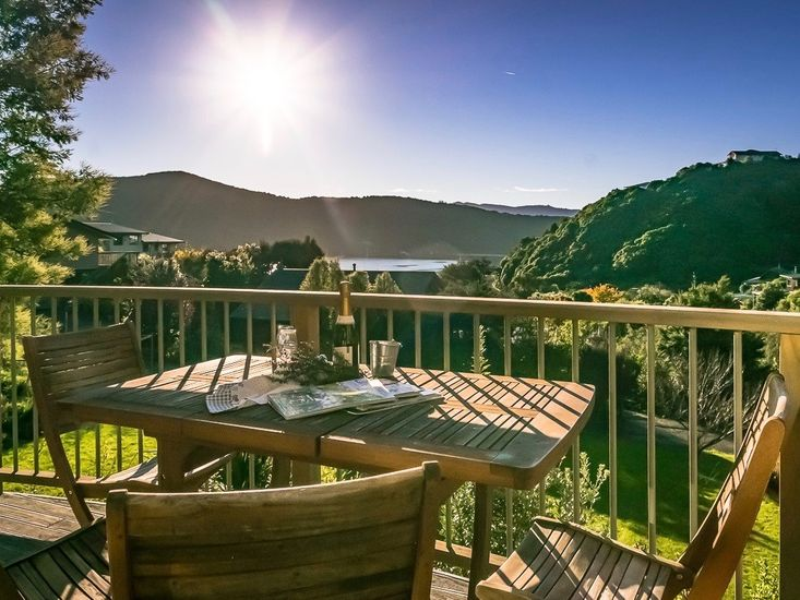 Paradise Sounds - Waikawa Holiday Home - Outdoor Living