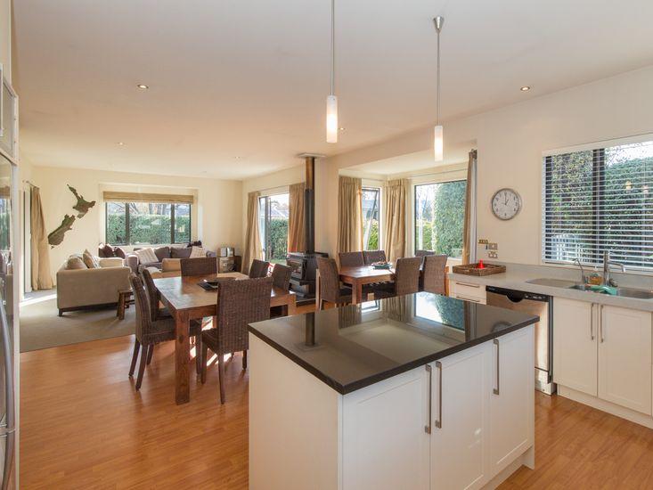 Modern Lake Haven - Wanaka Holiday Home - Kitchen, Dining, Living