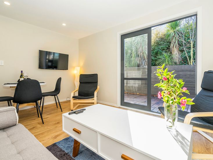 The City Pad - Christchurch Holiday Home - Living and Dining