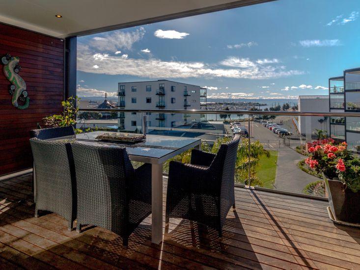Napier (Ahuriri) Apartment - Outdoor Living