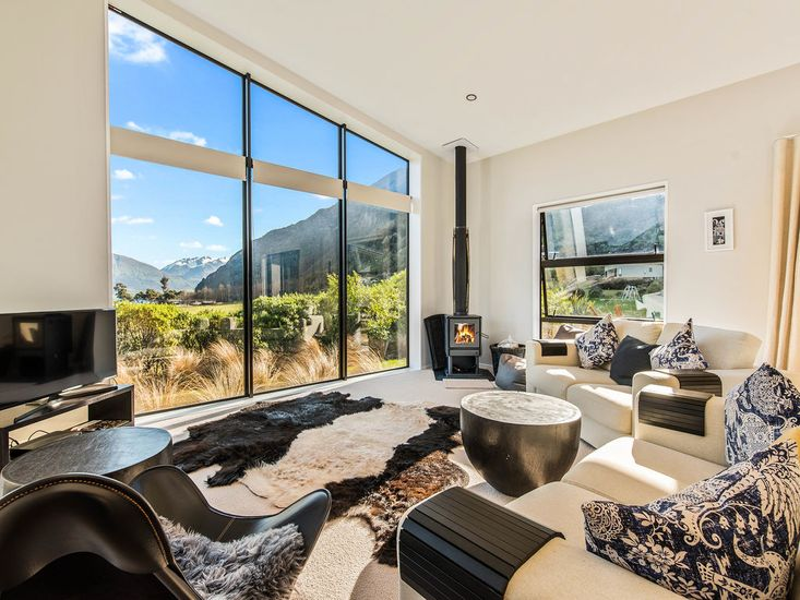 Living Area and Views