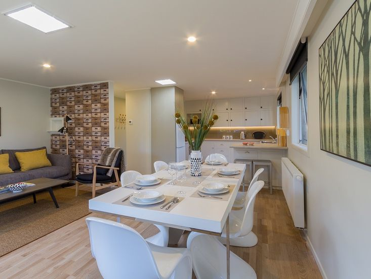 Alchemy Cottage - Arrowtown Holiday Home - Dining, Living, Kitchen