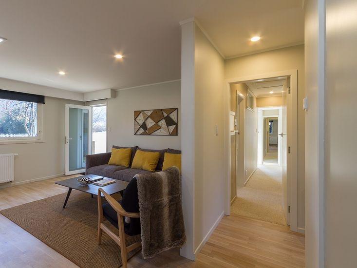 Living / Hallway