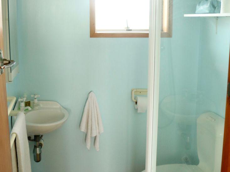 Bathroom 2 - sleepout