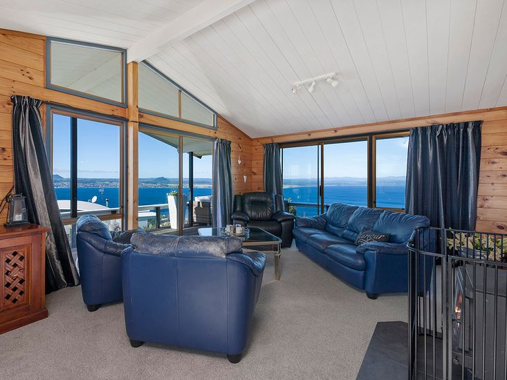 Lounge with Views