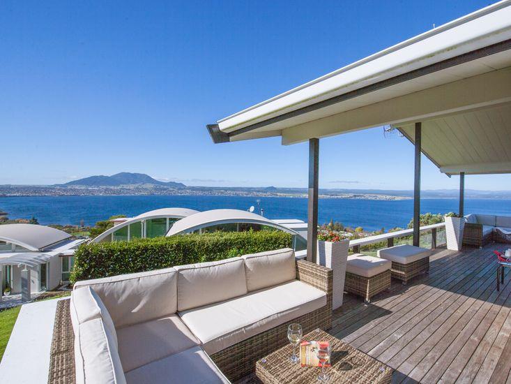 Heights Haven - Acacia Bay Holiday Home