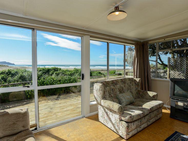 Lounge Views