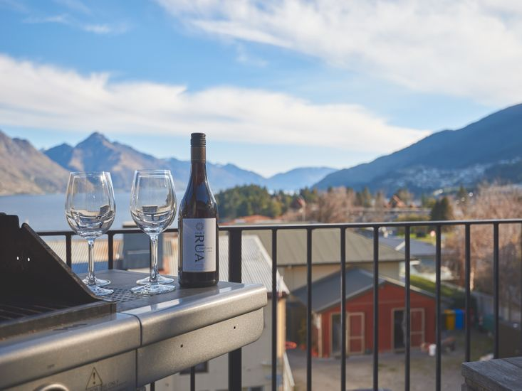 Ridge View Apartment - Queenstown Apartment Accommodation