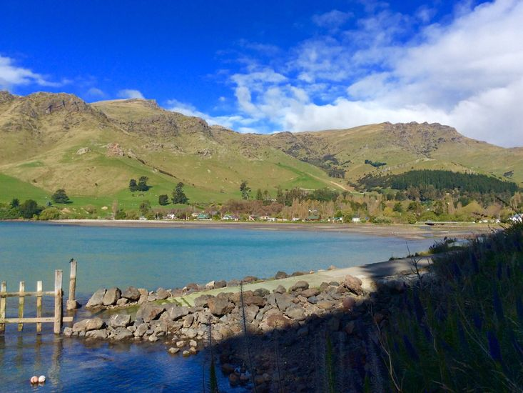 Shiloh - Diamond Harbour Holiday Home - Harbour Views - 1 minute stroll from house