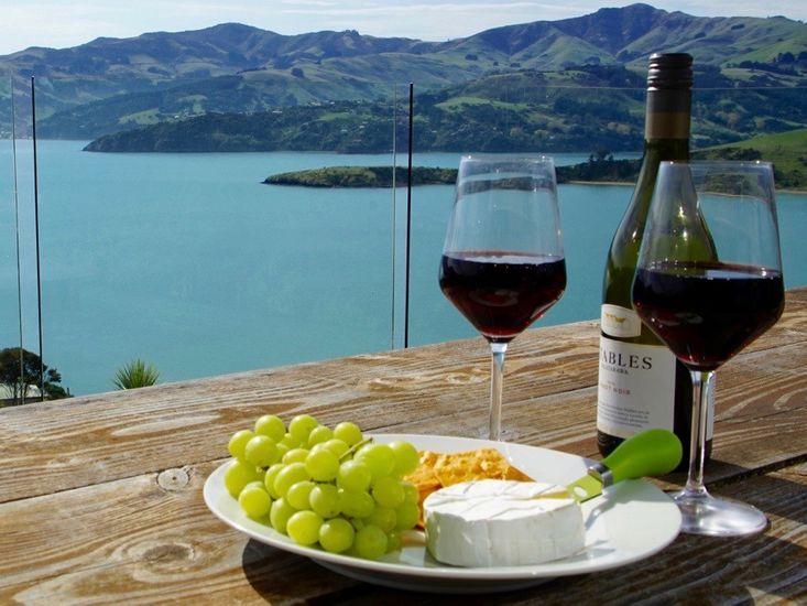 Luxury Views - Akaroa Holiday House - Outdoor Living