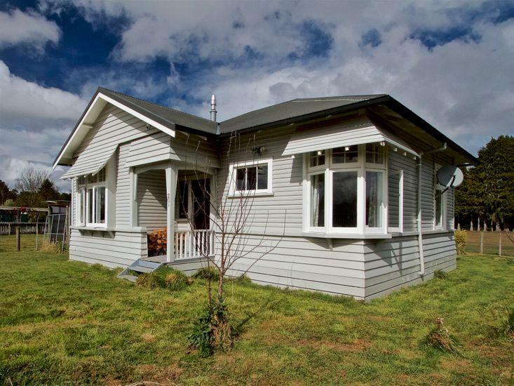 Ruapehu Charm - Raetihi Holiday Home