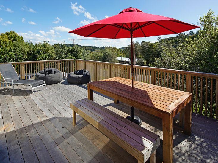 Island Time - Onetangi Holiday Home - Outdoor Living