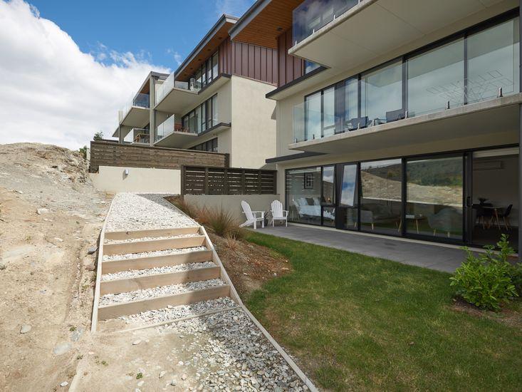 Lakefront Apartments in Queenstown