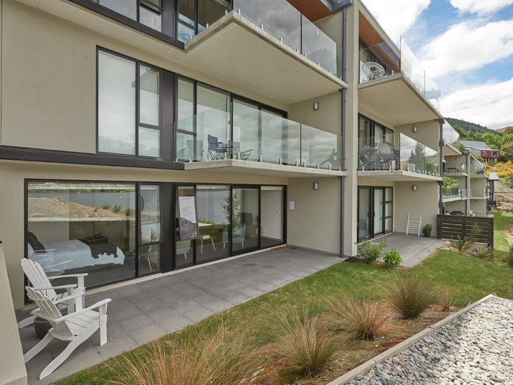 Apartment with Lakefront view Queenstown