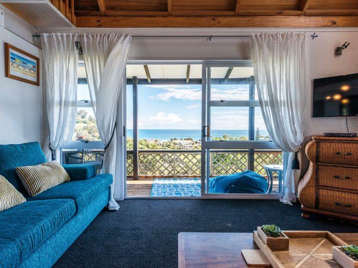 Lounge - Sea Views