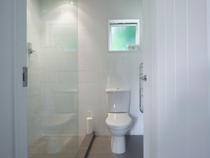 Bathroom 2 - Please note this Bathroom does not have a handbasin