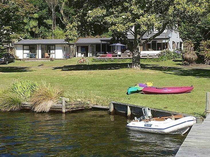 Absolute Lakefront Favourite - Lake Rotoiti Holiday Home - Lake Views