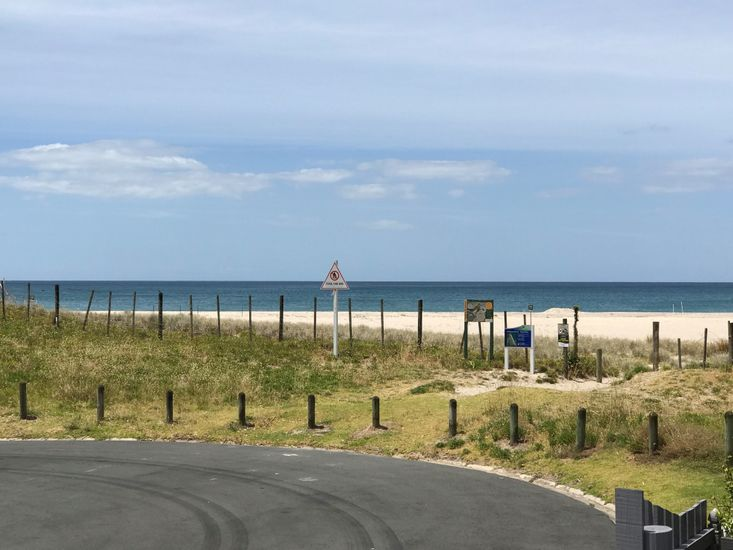 Nearby Cul de Sac with Beach Access