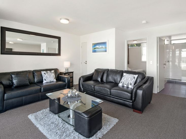 accommodation with lakeside view taupo