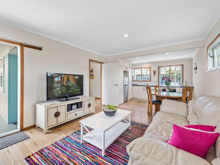 The Beach House - Mount Maunganui Holiday Home