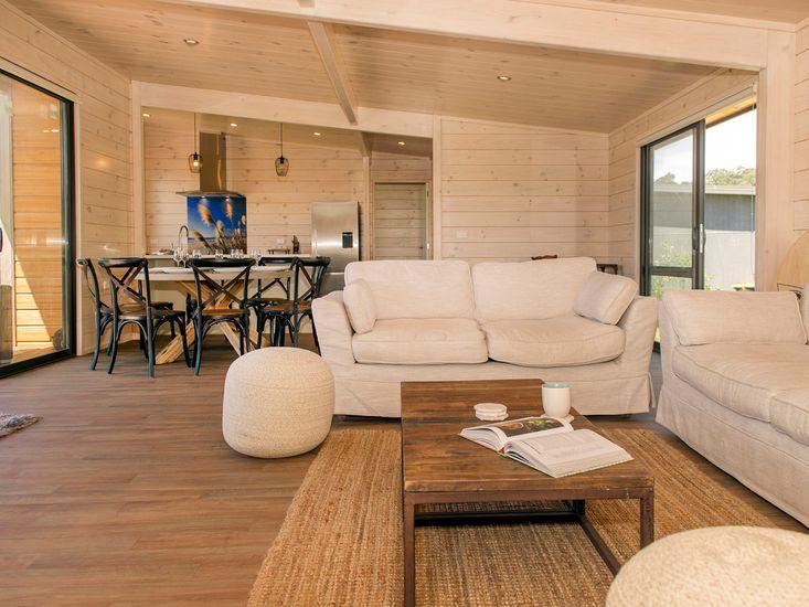 Lounge + Dining Area