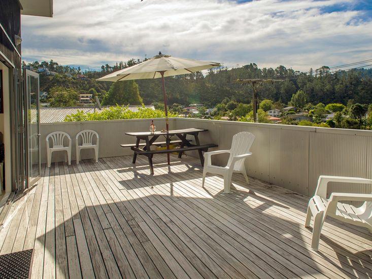 Sundeck + Outdoor Dining Area