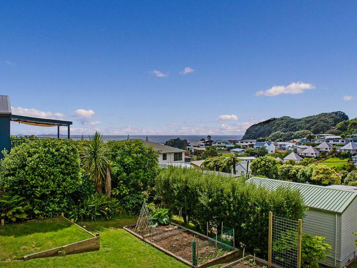 The Gardeners Beach House - Onemana Holiday House