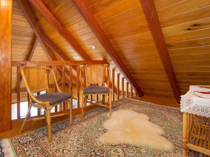 Loft Bedroom (Ladder Only Access)