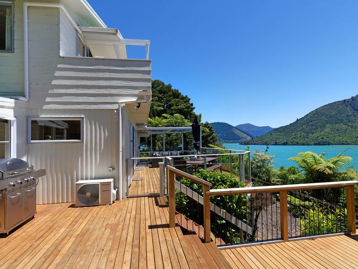 Large sundeck to enjoy the views