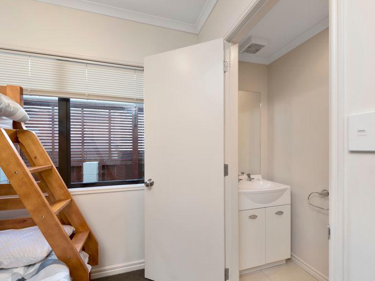 Bedroom 4 - Bathroom