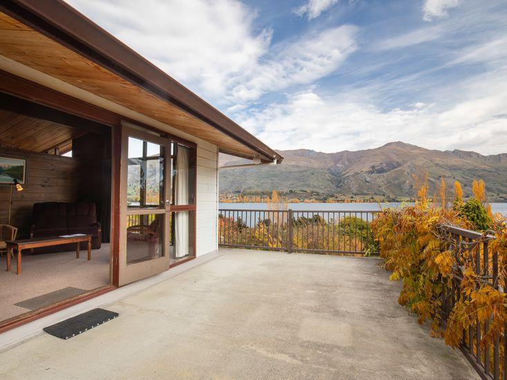 Lakeside Wanaka Holiday Home