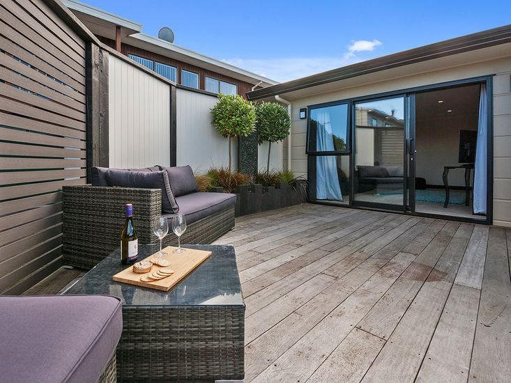 accommodation taupo with hot pools